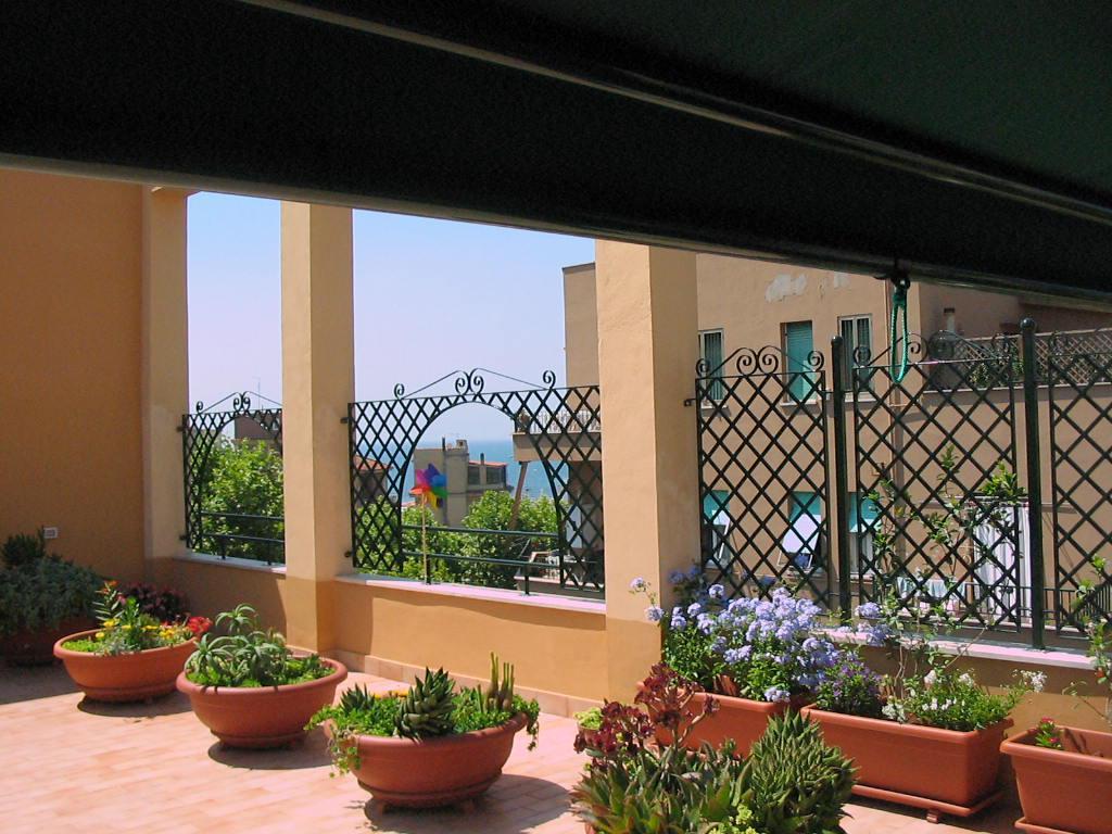 Grigliati in ferro tecno alluminio srl for Grigliati in ferro per terrazzi
